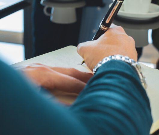Vermögensverwaltung Honorargestaltung als Vorteil Kugelschreiber